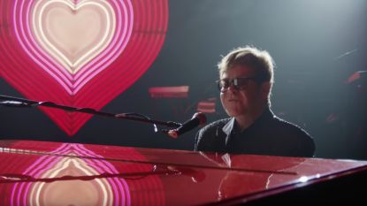 Elton John speelt de hoofdrol in prachtige kerstcampagne van John Lewis