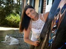 Kunstenares Mariët Wichers Schreur verbergt haar littekens niet