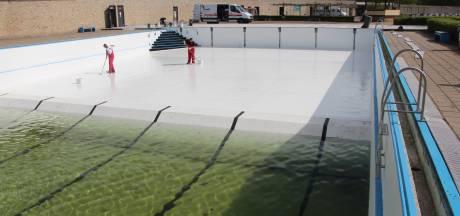Diepe bad is even nog diepe bak bij zwembad 't Vinkennest