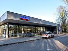 Man vertrekt zonder buit na bedreigen van winkelmedewerker in Tilburg