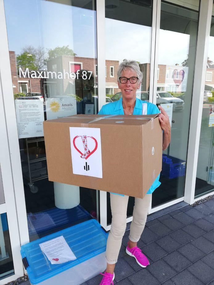 Verpleeghuis Amaris Arkemheen in Nijkerk ontving ook een lading mondkapjes.
