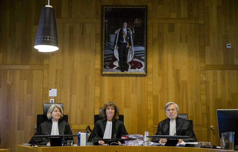 De rechtbank in Den Haag, met vlnr rechters Mr I. Kroft, Mr. D. Aarts, Mr. H. Hofhuis. Beeld anp