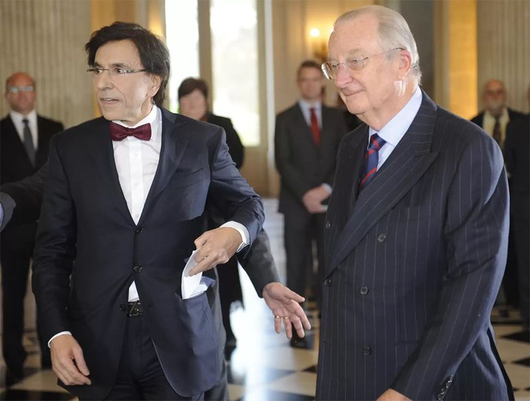 6 december 2011: de regering Di Rupo legt de eed af bij koning Albert II.