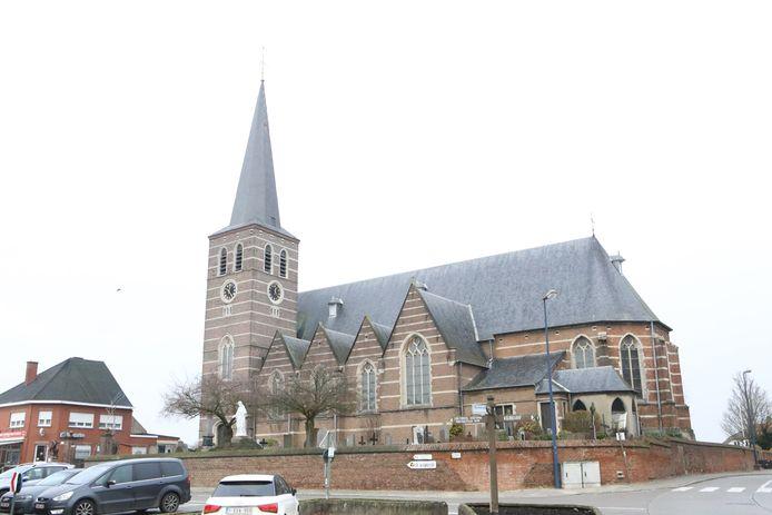 De Sint-Bartholomeuskerk wacht al lang op de dakrestauratie.
