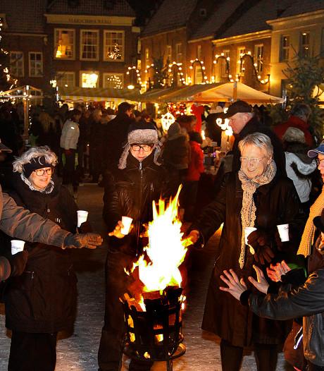 Kerst bij kaarslicht in vesting Heusden: kraampjes, straattheater, zang, eten en drinken