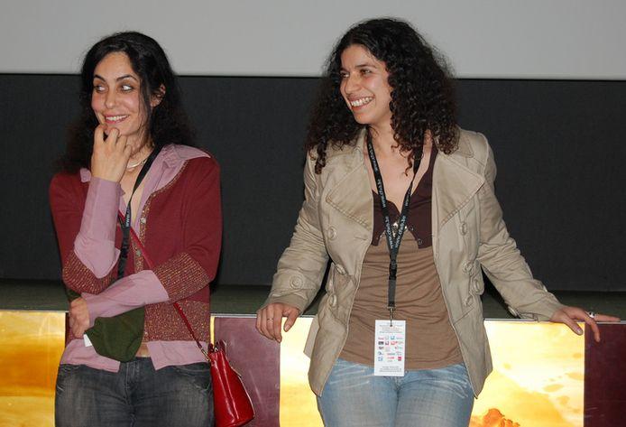 Sophie Dewulf (à droite)
