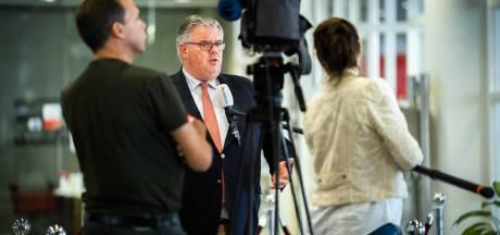 Mondkapjes verplicht voor contactberoepen? Daar vergaderen veiligheidsregio's vanavond over in Utrecht