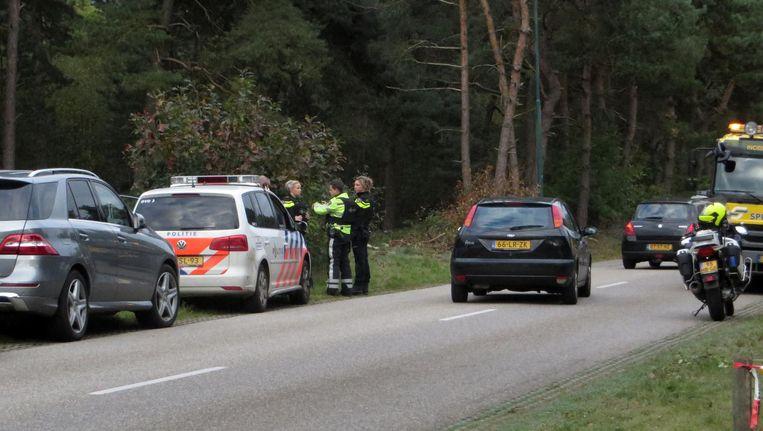 Arrestatieteam op zoek naar de verdachten Beeld anp