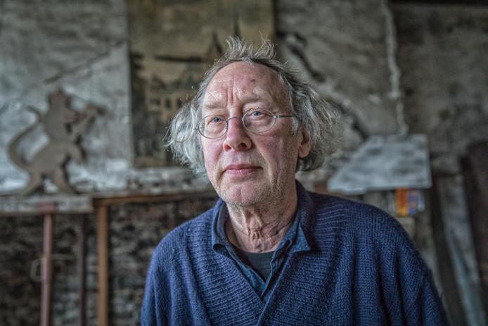 Aad Bruijns in De Herberg, die hij nu van de hand doet.