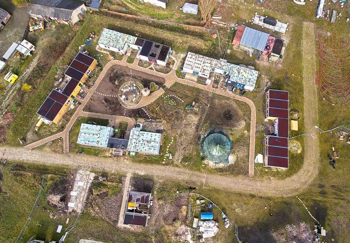 Op de plaats van het huidige tijdelijke ecodorp kan de gemeente Boekel straks 28 huizen bouwen in bestemmingsplan de Run.