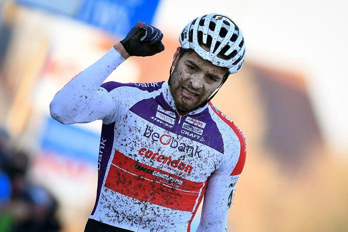 Belgian Wietse Bosmans celebrates as he crosses the finish line to win the men's elite race of the Kasteelcross cyclocross race, Saturday 21 January 2017, in Zonnebeke. BELGA PHOTO DAVID STOCKMAN