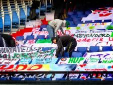 Feyenoord zondag in de Kuip met honderden spandoeken op de tribune