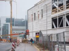 ASML in Veldhoven en bonden praten allebei over eigen cao