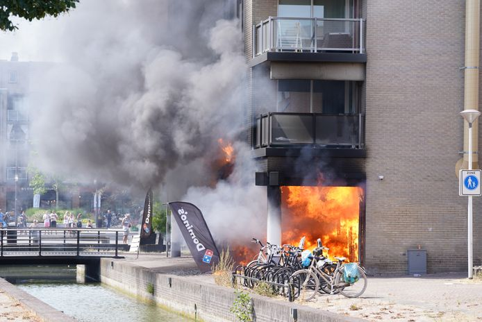 Flinke brand in de Domino's vestiging in Houten