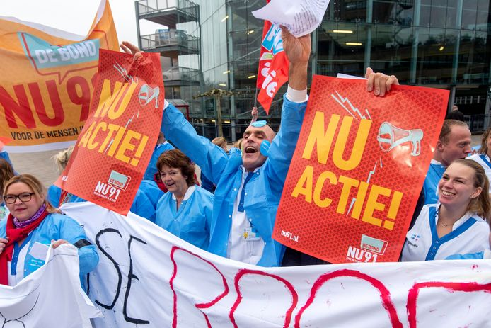 Personeel van het Rijnstate ziekenhuis in Arnhem voert actie. Foto ter illustratie.