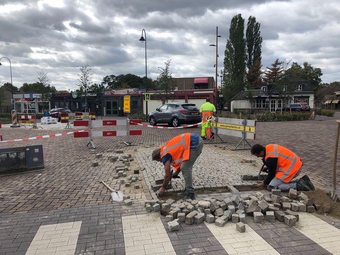 Met een duidelijker middenberm, aansluitend op de zebrapaden, moet het kruispunt St. janstraat  overzichtelijker worden.