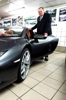 Gehuurde Lamborghini van drie ton in de prak gereden: 'Huurder óf de chauffeur is de pineut'