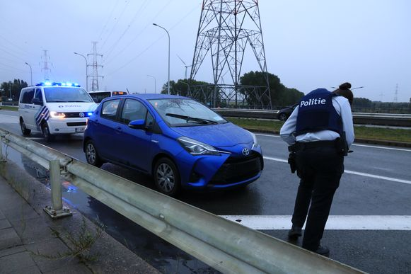 De politie deed vaststellingen van het incident maar de dader pleegde vluchtmisdrijf.