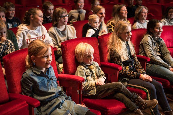 Theater Orpheus in Apeldoorn richtte zich vanaf 2018 al meer op kinderen, provincie Gelderland doet daar vanaf 2020 een schepje bovenop door gratis vervoer aan te bieden van en naar het theater.