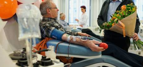 Superdonor Frans (70) gaf al 333 liter bloed en gaat gewoon door