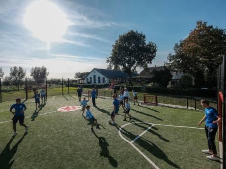 Eigen sportveld in Babberich voor kinderen die niet op een club kunnen
