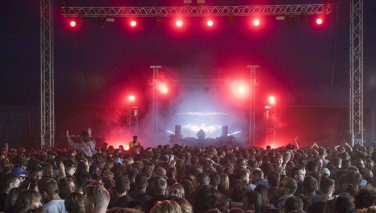 Een concert van Ten Walls in het Londense Victoria Park.