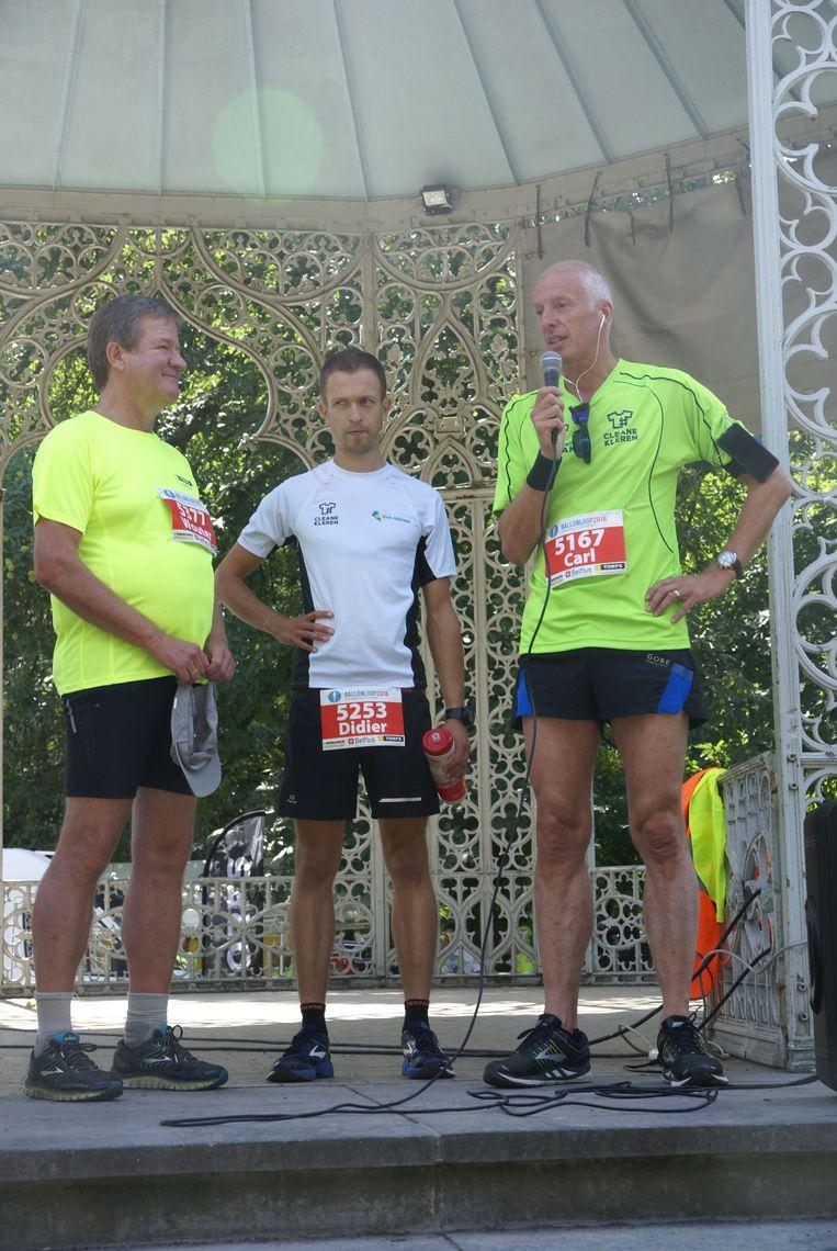 """Wouter Torfs (links) van Schoenen Torfs:   """"Ons personeel sport voortaan in kledij die in goede omstandigheden is gemaakt."""""""