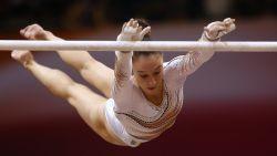 Nina Derwael verovert goud in Doha op brug met ongelijke leggers - Jonathan Vrolix wordt in allereerste wereldbekerfinale zesde