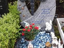 Opnieuw foto gestolen van graf van  jongetje in Oud-Beijerland