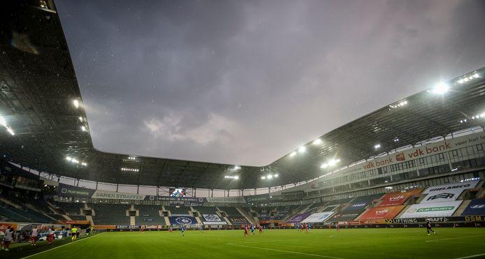 Het is voorlopig nog niet bekend hoeveel supporters er zullen worden toegelaten in de Ghelamco Arena op 26 september.