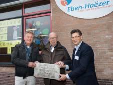 Laatste reünie oude Eben-Haëzer-school: sloophamer door het gebouw