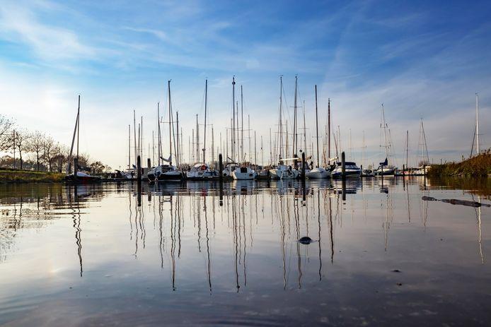 De jachthaven van Willemstad gaat in een winterslaap.