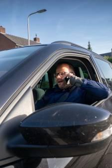 Politie gaat in Buren onopvallend controleren om bellende automobilisten te bekeuren