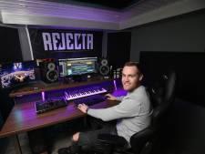 Wesley uit Babberich staat voor het eerst niet als bezoeker, maar als dj op Hard Bass: 'Gekkenwerk'