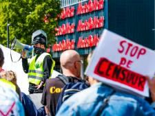 Demonstratie tegen lockdown in Eindhoven: 'Weg met de anderhalvemetersamenleving!'