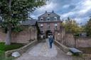 Het klooster Graefenthal in het Duitse Asperden waar de Orde der Transformanten onderdak heeft gevonden. Hier vond woensdagochtend de aanhouding plaats. Volgens betrouwbare bronnen gaat het om leider Robert B. van de sekte.