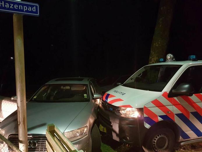 De auto werd op het Hazenpad klemgereden