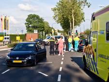 Frontale botsing op de Merwedestraat in Dordrecht