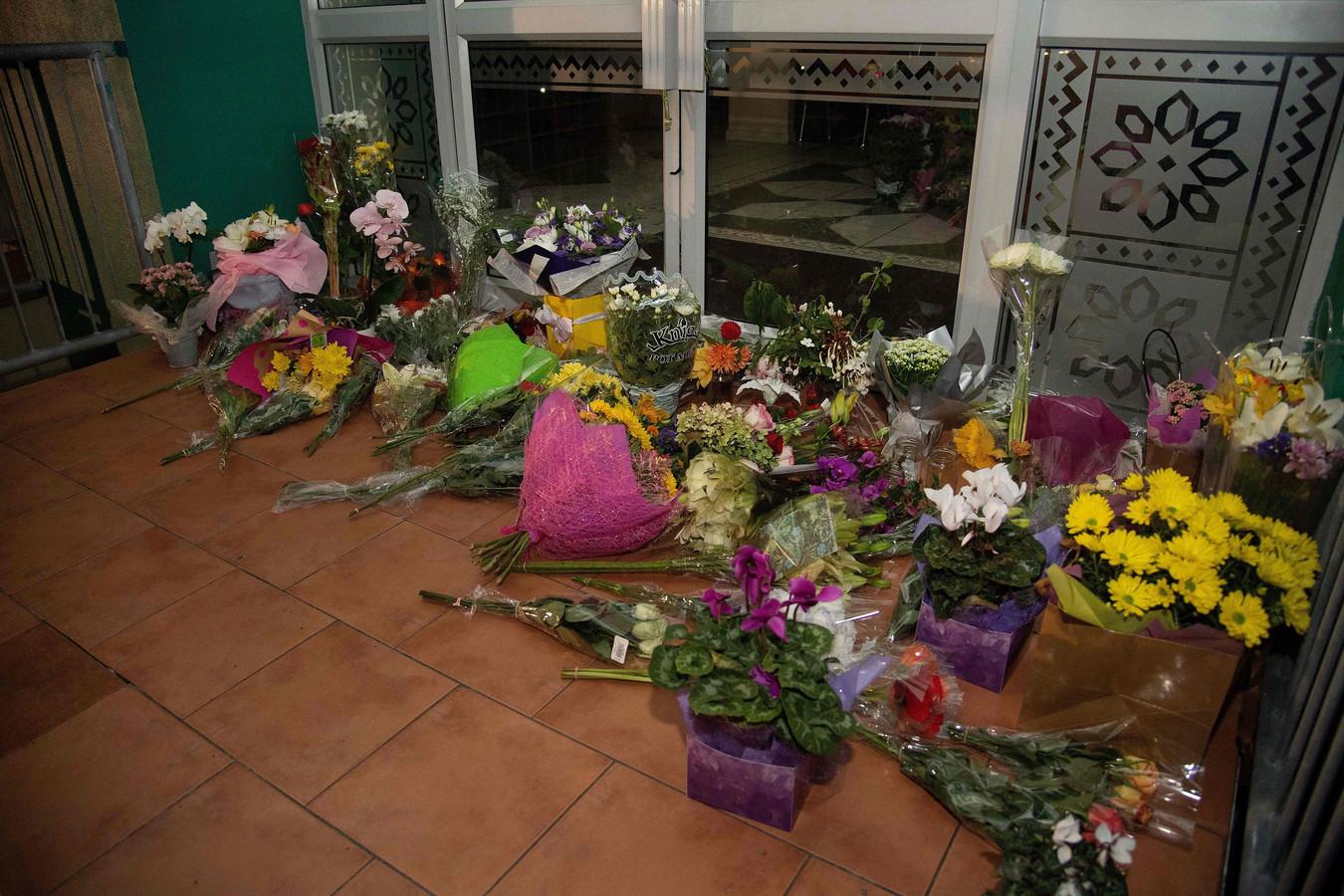 Bloemen voor de Wellington Masjid moskee in Kilbirnie in Wellington, Nieuw-Zeeland.