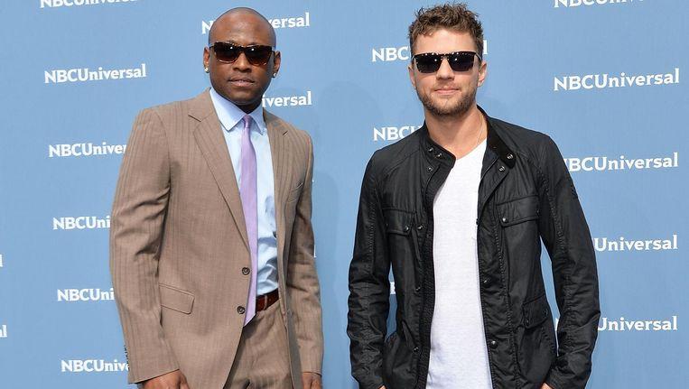Omar Epps (links) en Ryan Phillippe spelen de hoofdrollen in Shooter. Beeld anp