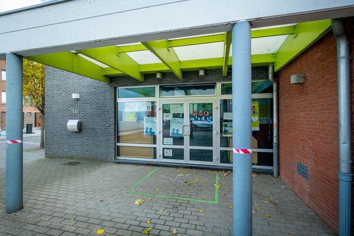 Kleuterschool De Holm, voor alle duidelijkheid niet de plek van de besmetting. Die gebeurde in de kleuterklassen in hoofdschool De Baan.