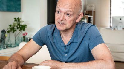 """Na een jarenlange strijd noemt bestsellerauteur Toni Coppers zich een gelukkig man: """"Een godsgeschenk toen VTM mijn boeken verfilmde"""""""