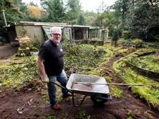 Vervallen tuinhuisje tussen villa's Bosch en Duin gaat nu echt plat