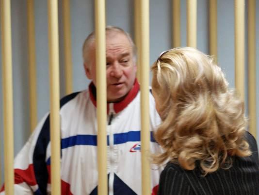 Sergei Skripal voor een Russische militaire rechtbank in 2006.