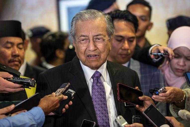 De Maleisische premier Mahathir Mohamad donderdag: 'Wij willen bewijs van schuld zien. Tot nu toe is er geen bewijs, alleen geruchten.' Beeld EPA