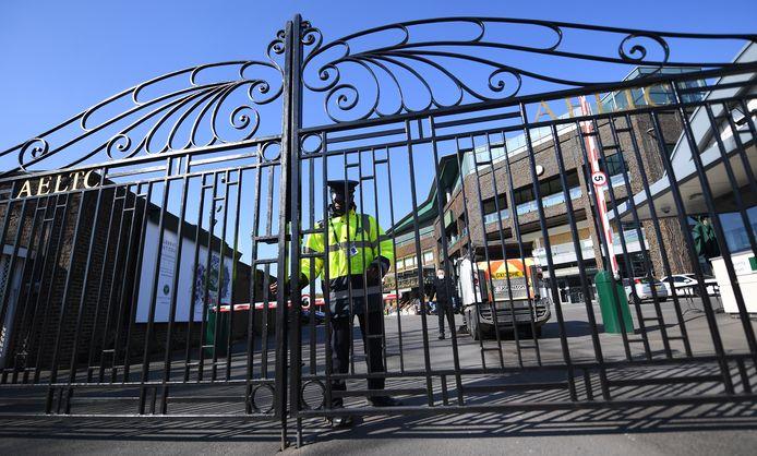 Les grilles du All England Lawn Tennis and Croquet Club, où se joue le tournoi de Wimbledon, resteront fermées cet été.