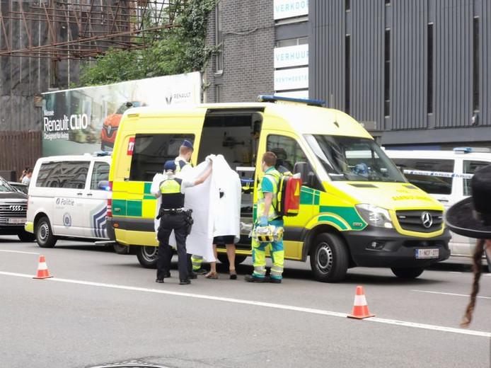 Au moins deux personnes ont été blessées dans une attaque au couteau.