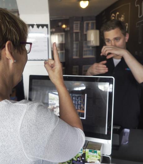 Koffie halen in gebarentaal: 'Dit had ik niet verwacht'