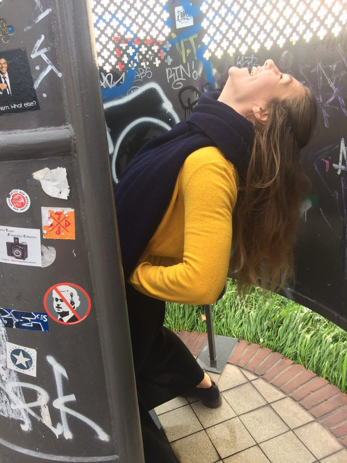 Esmee Myrthe Jiskoot via twitter @Esmeejiskoot 18 u18 uur geleden Whaaat!!! Plassen in een mannen urinoir is echt niet te doen als vrouw. #hoedan #microidealenchallenge #actiezeikwijf