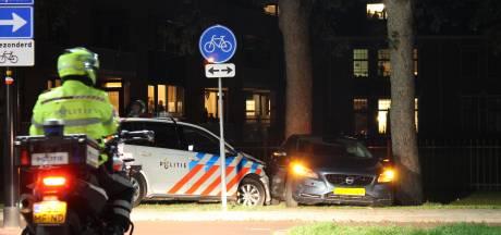 Politie ramt auto bij achtervolging door Harderwijk
